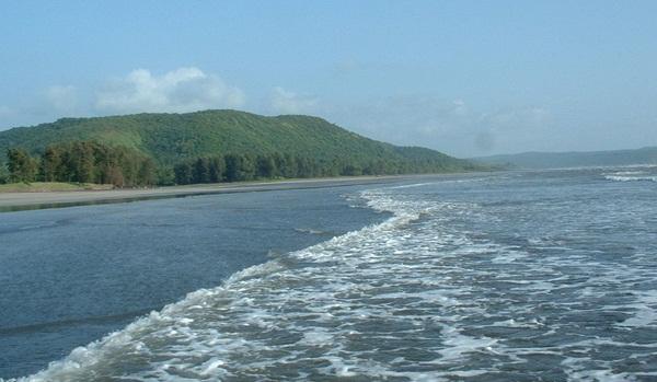 overivew of Dapoli, Maharashtra hill stations, getaways from Mumbai, cheap flights to mumbai