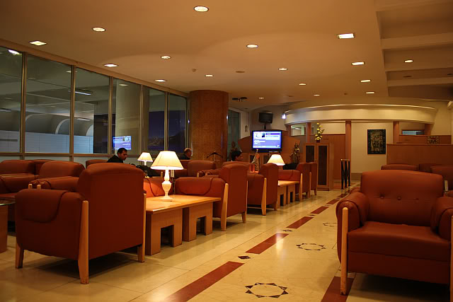 air india lounge services,airports in India,air India maharaja lounge details
