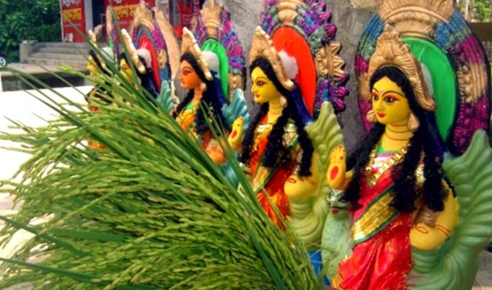 Lakshmi puja in India, sharad purnima celebration, cheap flights to India