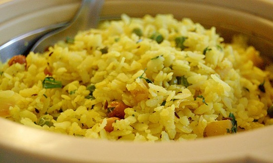 Indore street food guide, Indore ke poha, things to eat in Indore, Madhya Pradesh food tourism