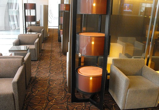 Singapore airlines lounge services, SilverKris lounge services,