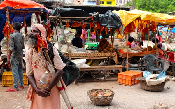 varanasai travel tips, markets of banaras, photography in ghats of varanasi