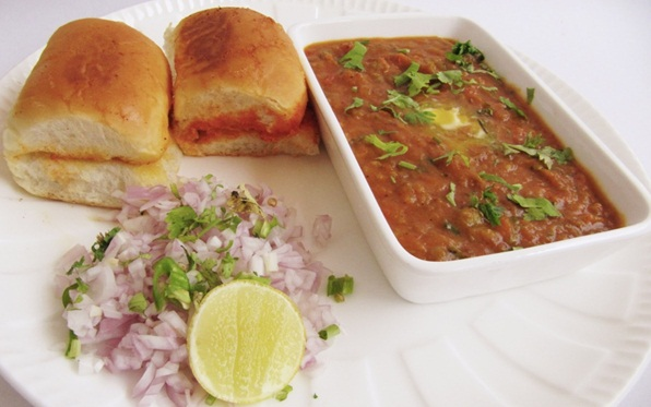 mumbai street food guide, where to get best pav bhaji in mumbai, book cheap flights online