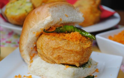 where to eat best vada pav in mumbai, best mumbai street foods, taste of mumbai
