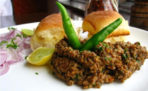 best place to eat kheema pav in mumbai, best street foods in mumbai, tourist attractions of mumbai