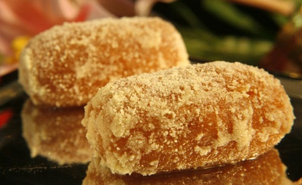 sweets of bengal, what to eat during Durga puja