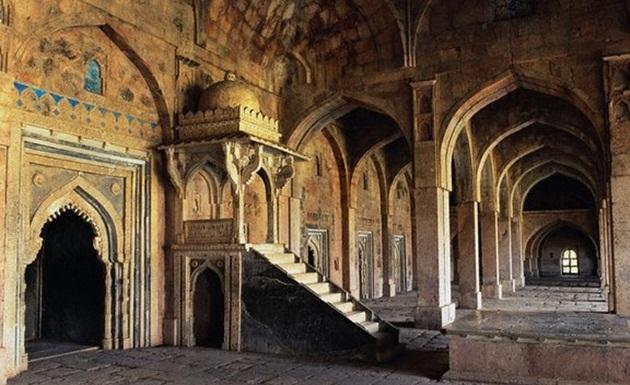 Places to see in Madhya Pradesh 2015, my travel wishlist 2015, history of Mandu