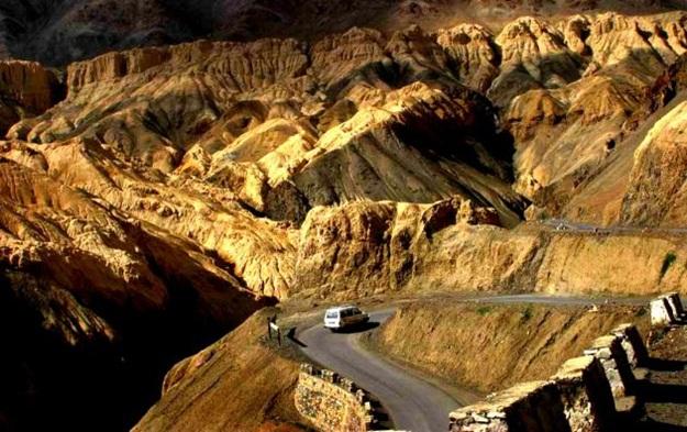 Road trips in Himalayas, India's best road trips, Zanskar to Leh road trip