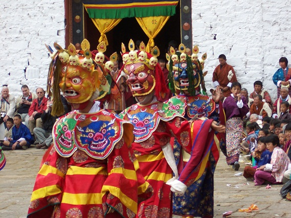 Attractions of Ladakh's Hemis Festival at Altitude of 3505 Meters amidst Snowy Mountains