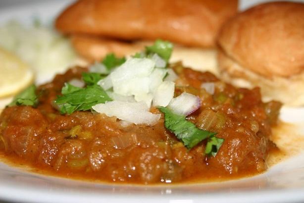 monsoon food culture - pav bhaji in maharashtra