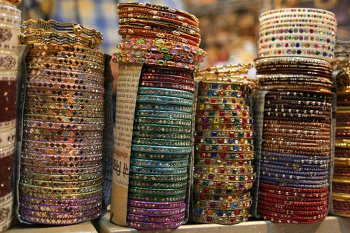 Things to do in Mount Abu, Shopping for Rajasthani handicrafts in Mount Abu