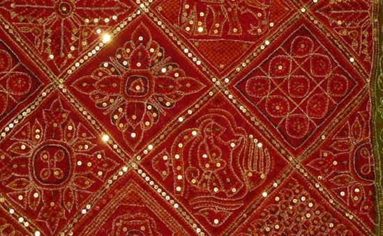 zari work designs, zari work in gujarat, handicraft textiles of gujarat, Indian art and crafts