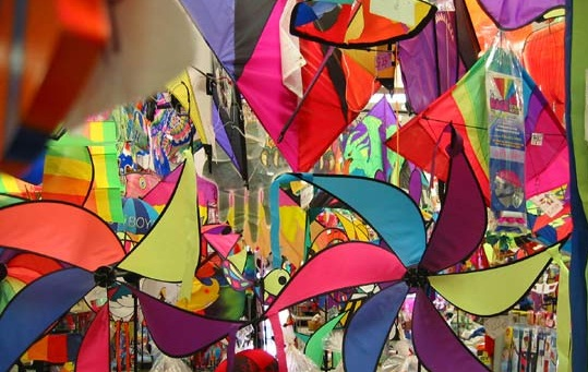 Skies of Ahmedabad Feature Kites from across the World during Gujarat's Kites Flying Festival