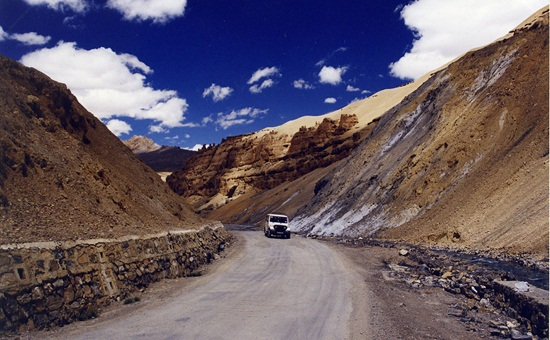 manali to Leh road trips in India