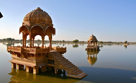 Gadi Sagar Lake history, things to see in Jaisalmer, Jaisalmer travel guide