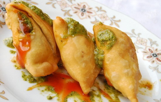 samosa in delhi, delhi street food guide