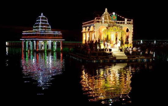 Madurai's Float Festival: Kaleidoscope of Lights, Lamps & Fireworks