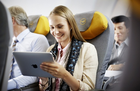 What inflight entertainment facility does Lufthansa offer on long-haul flights?