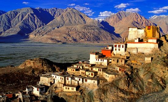The Ladakh Tours Leh Ladakh Jammu And Kashmir
