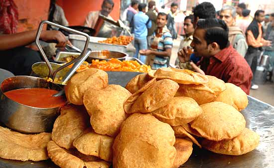 things to eat in banaras, varanasi street food, divine destinations in India, cheap flights to India