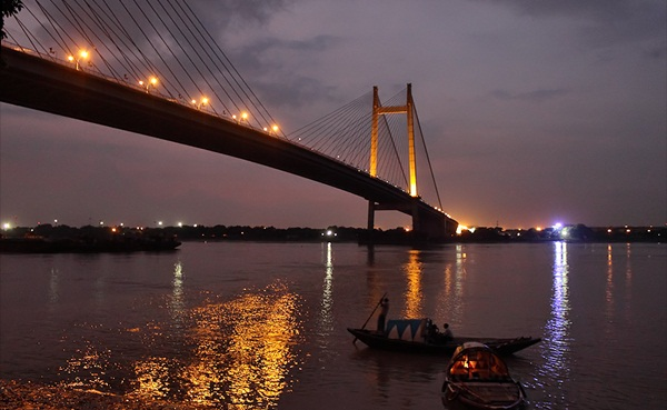 Things to Do in Kolkata in Monsoon: Food & Photography
