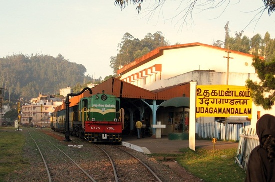 tourist attractions of coonoor, details of nilgiri mountain railway, India during monsoon