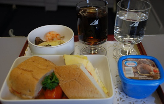 Philippine Airlines inflight meals and entertainment services