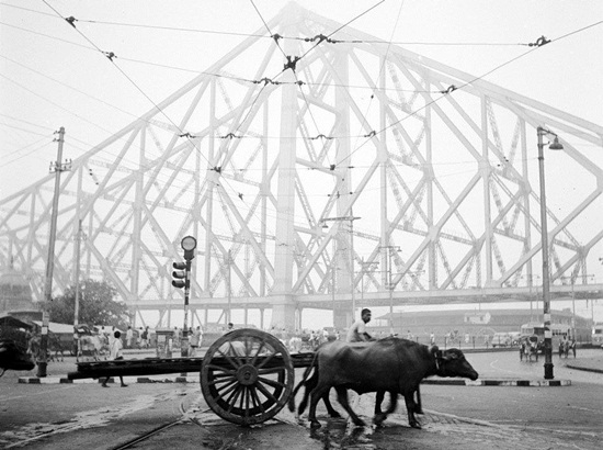 Photo Story of 1960s' Calcutta through Black and White Visuals