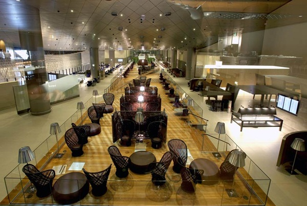 A walk through Qatar Airways' Al Mourjan Lounge at HIA Doha