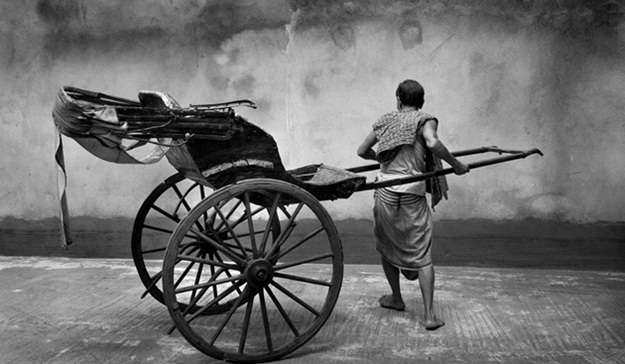 kolkata's hand pulled rickshaw, British heritage in India, Kolkata stories
