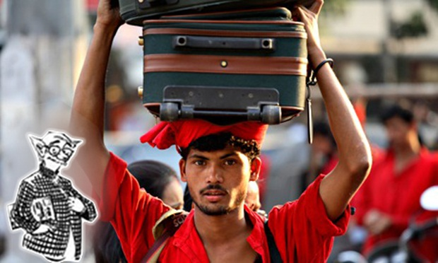 porters in India, working class of India, IndianEagle travel blog