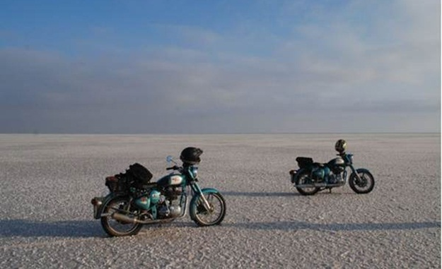 biking in rann of kutch, road trips in north India, IndianEagle travel booking
