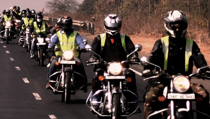 best road trips in India, biking tours India, women travelers of India, road to Ladakh