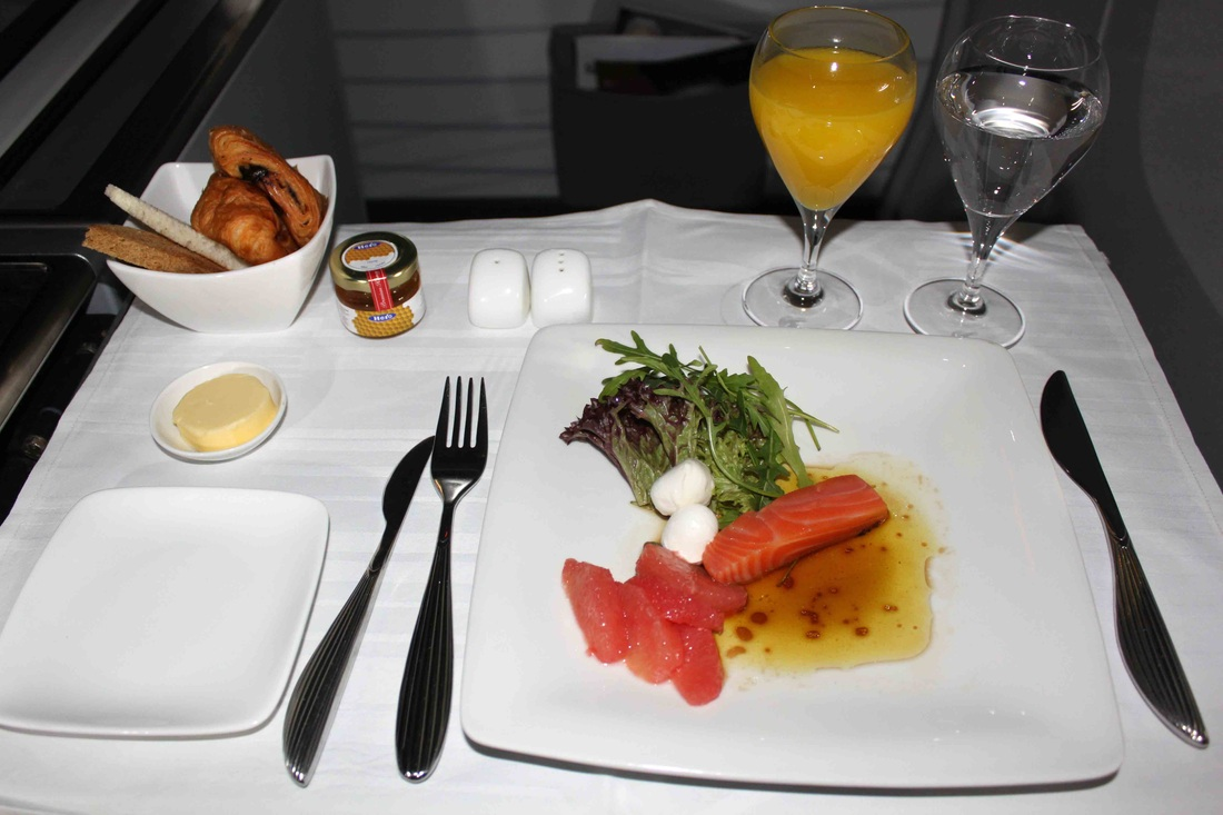 Qatar Airways inflight meals, airline dining, inflight menus