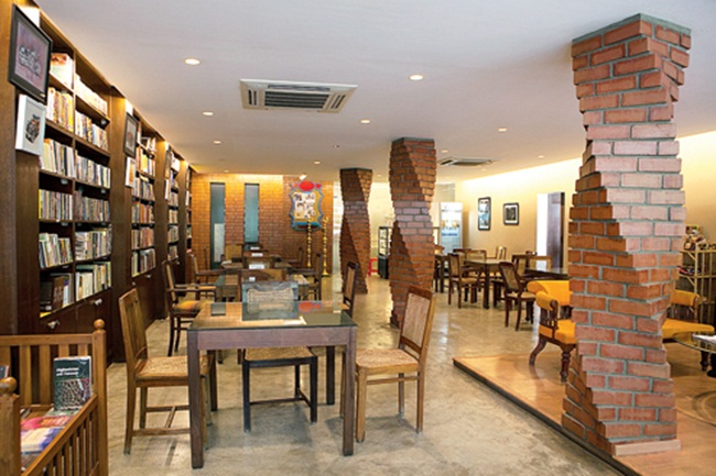 Bangalore book cafes