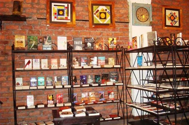 Charminar Hyderabad, book cafes Hyderabad