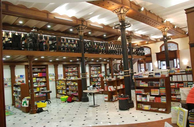 Kitab Khana in Mumbai, Indian book cafes