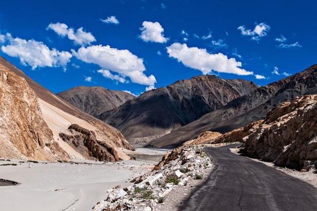 delhi to ladakh road trip, road trips from delhi, Indian Eagle travel stories