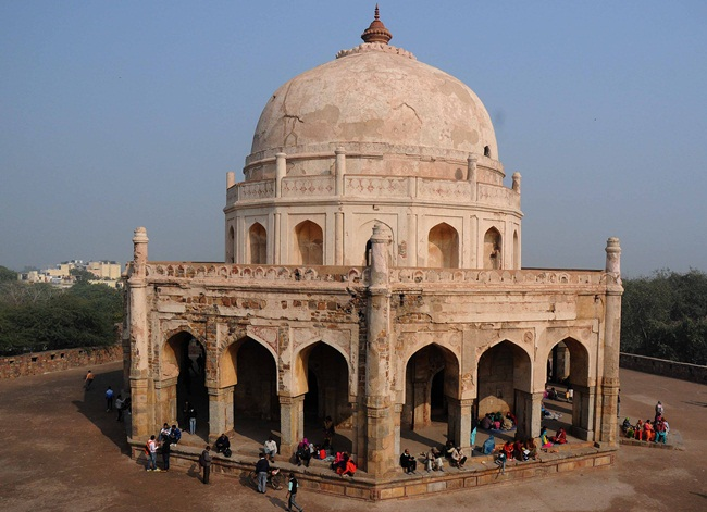 Adham Khan tomb delhi, interesting delhi facts, things to see in old delhi, Indian Eagle travel