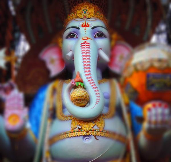 India's Biggest Ganesh Puja: Mumbai vs Hyderabad