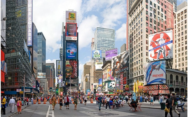 Indian Americans Hold 'Litti Pe Charcha' at Times Square