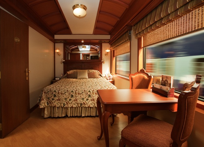 luxury trains in india, luxury train travel in India, heritage sites of India, Indian Eagle, travel to India