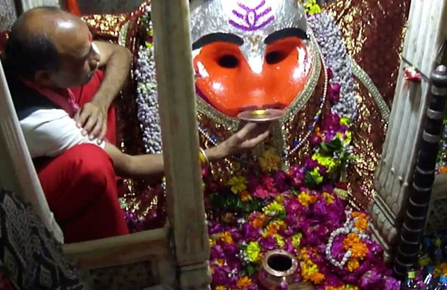 kal Bhairav Nath temple, offbeat Indian temples, unusual offerings to god in India