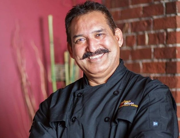 Edmonton's Indian Fusion Restaurant Owner & Chef from Delhi Feeds the Poor for Free
