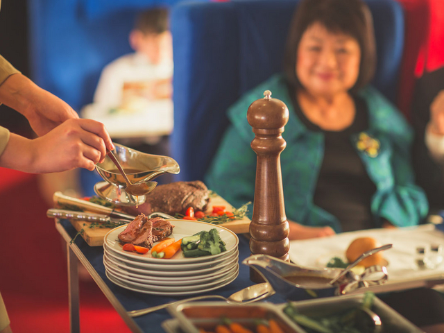 airline food facts, airplane food, inflight dining, flying chef