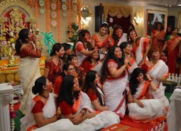 This Women-only Durga Puja Celebration in Santa Clara Proves that Indian Culture Knows no Borders