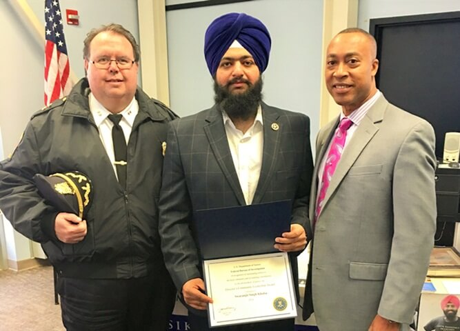 This Indian American Sikh Receives Leadership Award from FBI for Campaigns against Hate Crimes in USA