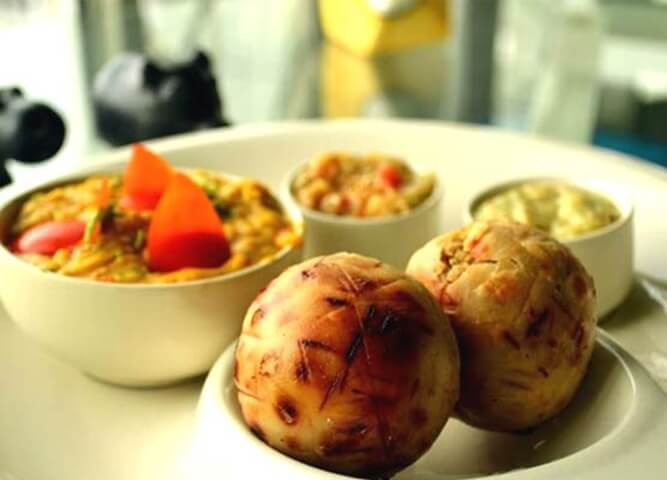 Indian street food, Bihar litti chokha, Indian food facts