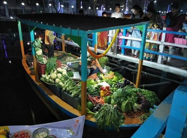 With 150 Boats and 228 Sellers, New Floating Market in Kolkata Likens City of Joy to Bangkok