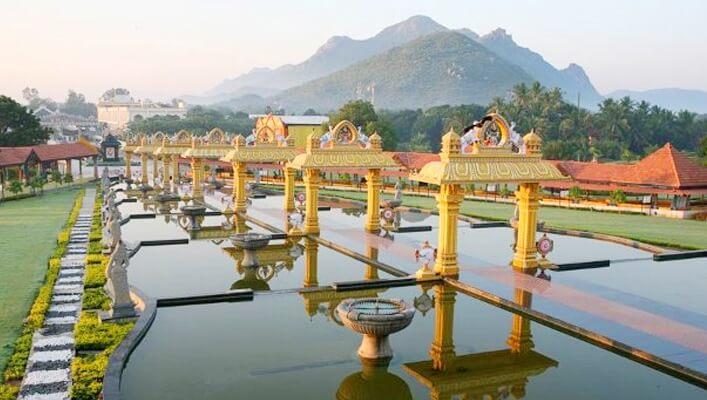 Sripuram golden temple, richest Indian temples, South Indian temples